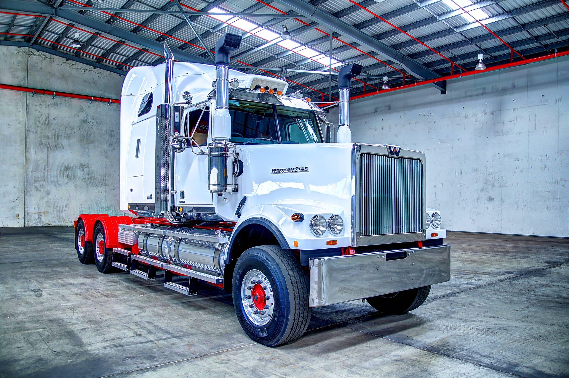 Western Star 4900 >> Wester Star 6900 FXC - Serious Trucks